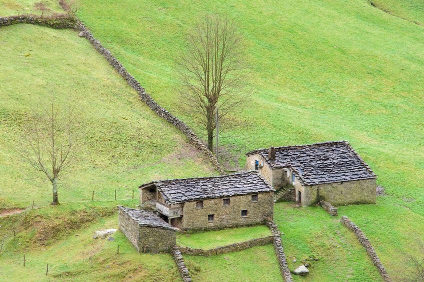 Cantabria casas rurales en venta lan ois doval - Venta de casas rurales en cantabria ...