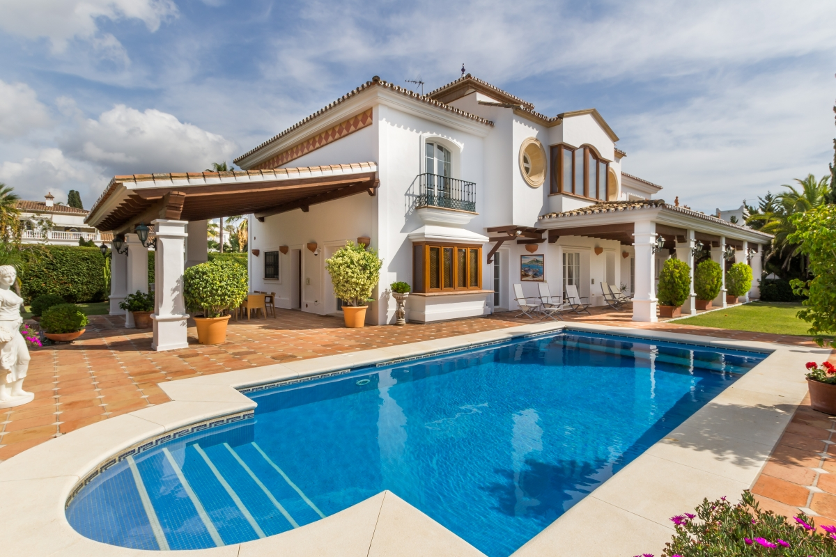 Venta casas rurales y hoteles con encanto for Apartamentos villa jardin cambrils