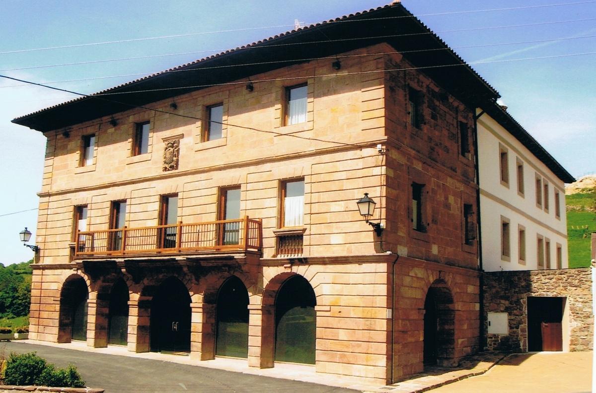 Hoteles y casas rurales en venta lan ois doval - Venta de casas rurales en cantabria ...