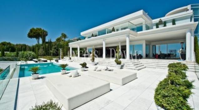 Impresionante Villa en Cascada de Camoján. Marbella, Malaga.