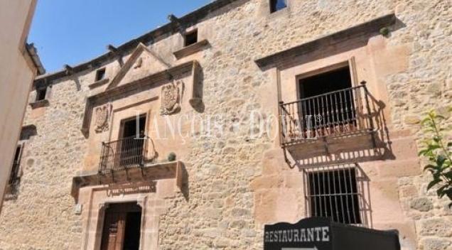 Sepúlveda. Segovia. Casa palacio actualmente restaurante y eventos en venta.