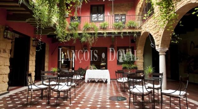 Osuna. Sevilla. Restaurante. Hotel con encanto en venta.