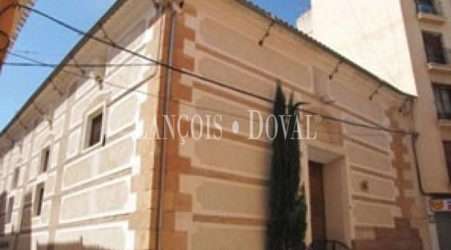 Lorca. Murcia. Edificio histórico en venta o alquiler.