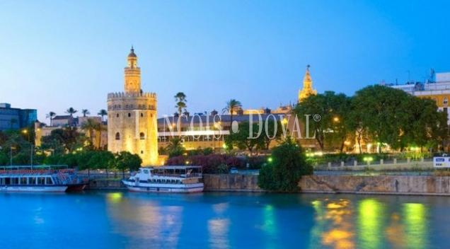 Sevilla. Academia de idiomas en venta.