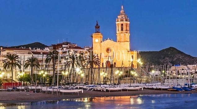 Sitges. Venta edificio apartamentos turísticos con alta rentabilidad.