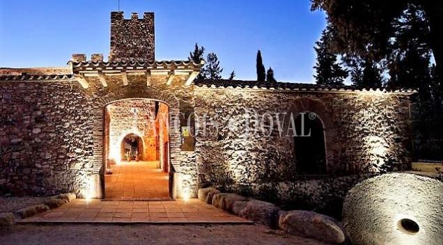 Finca dotacional en venta. Restaurante y casa señorial. Barcelona.