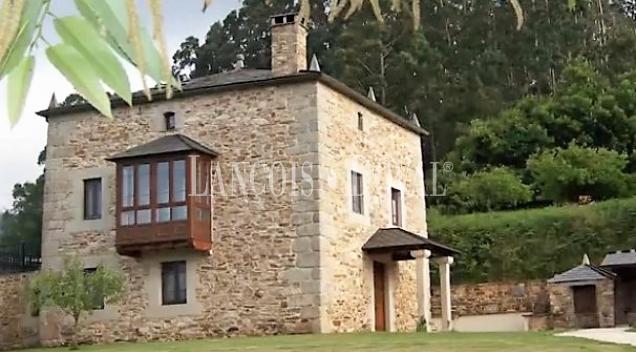 Torre medieval en venta. La Mariña de Lugo. Foz.