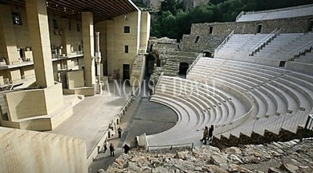 Restaurante en venta. Sagunto. Junto teatro romano.