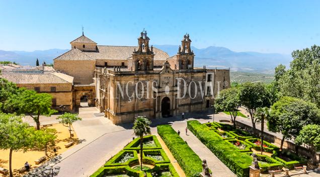 Úbeda. Casa señorial en venta. Jaén. Propiedades históricas en Andalucía.