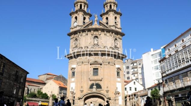 Compra venta edificios singulares en Pontevedra.