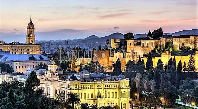 Suelo o edificio equipamientos dotacionales. Málaga.