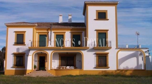 Badajoz. Finca y cortijo en venta