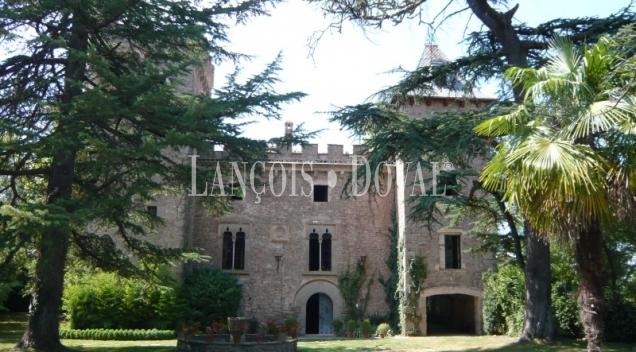 Castillos y fincas en venta catalunya for Casa de lloguer a osona