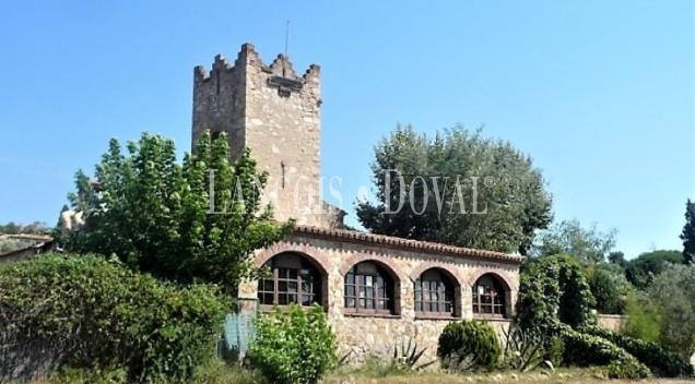 Masía en venta. Siglo XIV. Restaurante y hotel con encanto. Castell Platja d' Aro