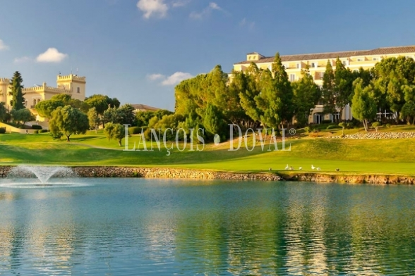 Suelo residencial en venta para promoción chalets. Golf Montecastillo. Jerez.