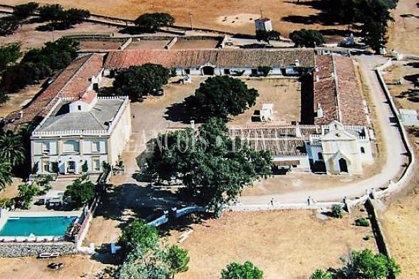 Cáceres. Venta hotel con encanto y restaurante eventos y celebraciones.