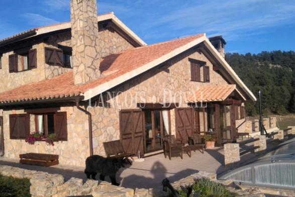 Teruel. Casa rural en venta. Nogueruelas. Sierra de Gúdar.