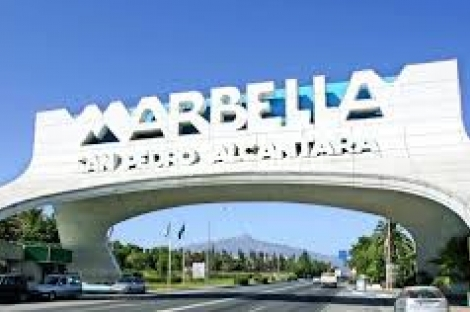 Discoteca restaurante en venta en La Milla de Oro de Marbella.