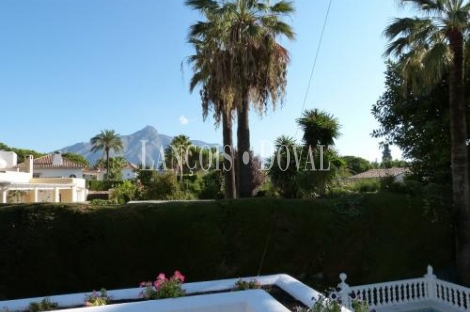 Preciosa Villa en Las Brisas. Nueva Andalucía, Marbella.