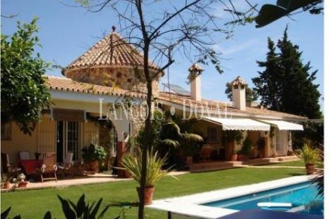 Preciosa Villa en Atalaya, Estepona, Málaga.