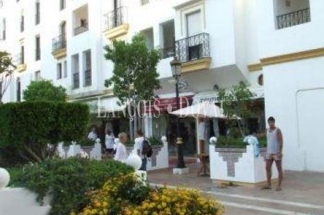 Puerto Banús. Local Comercial en venta. Marbella.