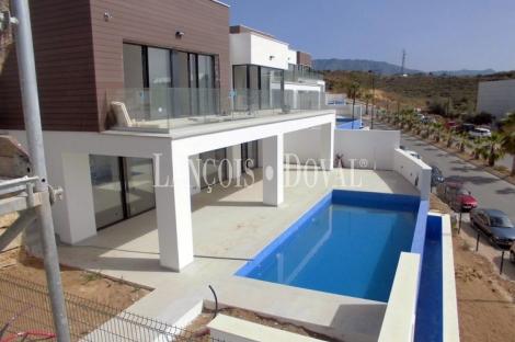 Benalmádena, Venta villas con vistas al Mar. Diseño moderno. Obra nueva.