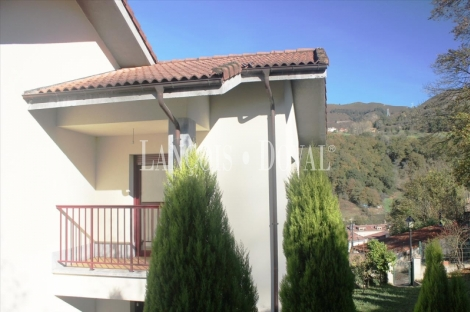 Cangas de Onís. Casa de pueblo en venta. Excelentes vistas. Asturias