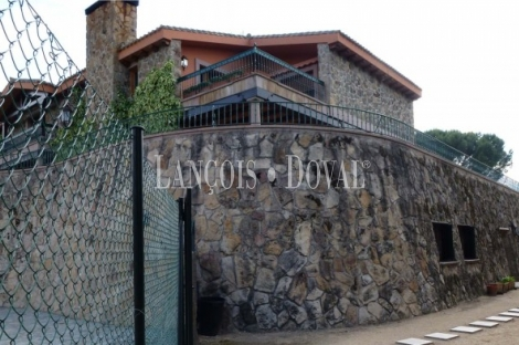 Robledo De Chavela. Madrid Finca de caza mayor. Casa señorial