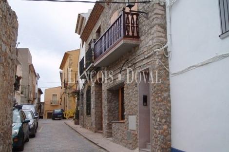 Oropesa de Mar. Castellón. Edificio apartamentos turísticos en venta.