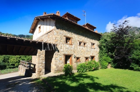 Argüebanes. Camaleño. Cantabria. Alojamiento rural, apartamentos turísticos en venta