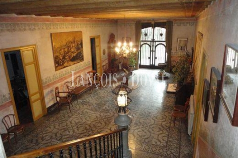 Sant Just Desvern. Barcelona. Masía en venta ideal hostelería.