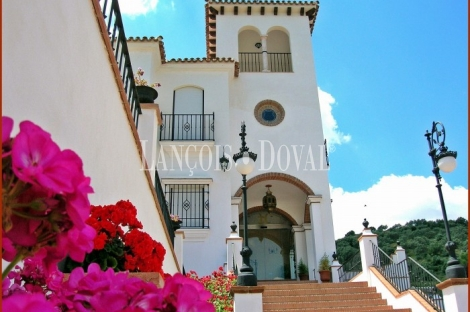 Cazalla de la Sierra. Sevilla. Hotel rural con encanto en venta.