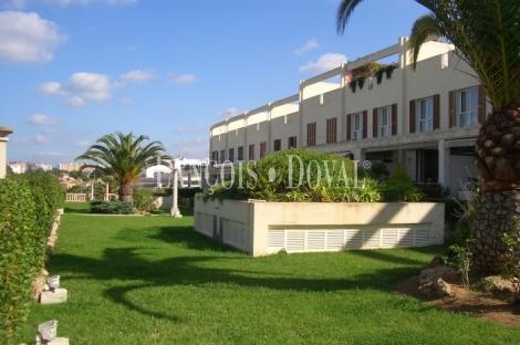 Palma De Mallorca. Chalet adosado en venta.