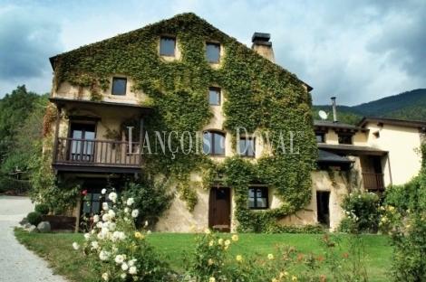 Hotel rural con encanto en venta planoles ripolles girona - Casa rural planoles ...