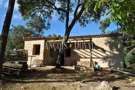 Santa Ana la Real. Huelva. Finca en venta con proyecto de turismo rural.