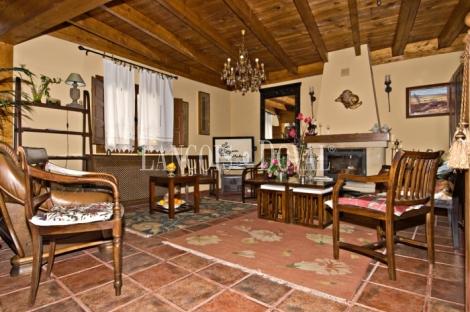 Montealegre de Campos. Valladolid. Hotel rural con encanto en venta
