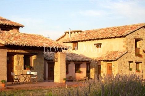 Casa rural en venta. Fuentes de Rubielos. Teruel.
