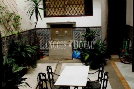 Edificio en venta en rentabilidad. Plaza Nueva. Granada