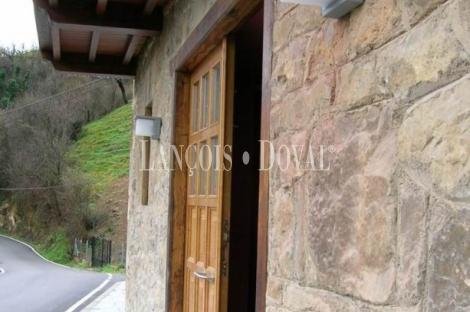 Casa rural en venta. Antigua rectoria. San Martino. Pola de Lena. Asturias