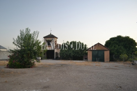 Pinos Puente. Vega de Granada. Suelo industrial en venta o alquiler. Antigua fábrica de remolacha.