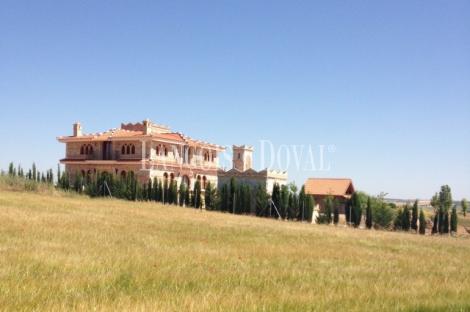 Casa y finca en venta. Puebla de Almenara. Cuenca.