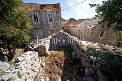 Proyectos hoteleros en pueblos abandonados