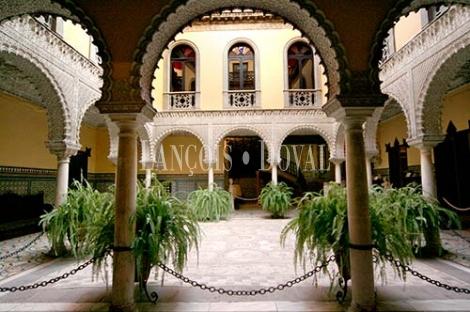 Palacios y casas se oriales en sevilla un recorrido for Alquiler de casas en lebrija sevilla