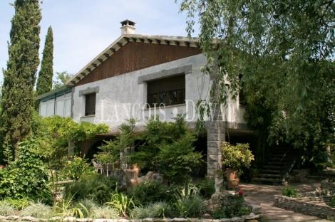 El encanto de un molino frente al Moncayo. Una finca en el Campo de Borja.