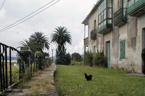 Padrón. Casona y finca en venta. A Coruña.