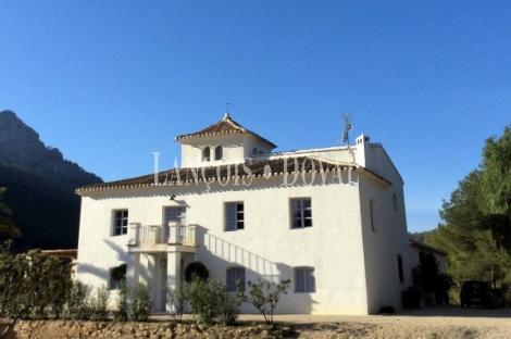 Murcia. Casa señorial y finca en venta. Mula. Sierra Espuña.