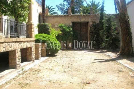 Casa señorial en venta. Antiguo convento. Mancha Real Jaén. Ideal hosteleria.