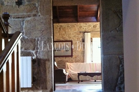 Dodro. Casona de piedra en venta. A Coruña casas rurales.
