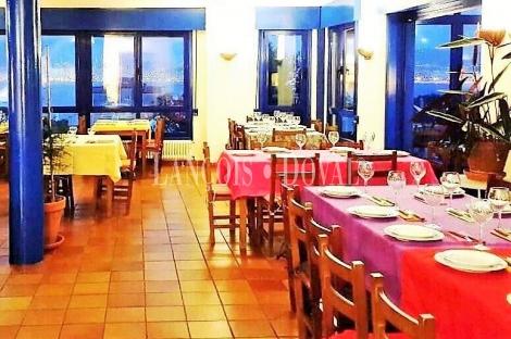 Pontevedra. Venta restaurante con singular vivienda. Ria de Vigo. Cangas Do Morrazo.