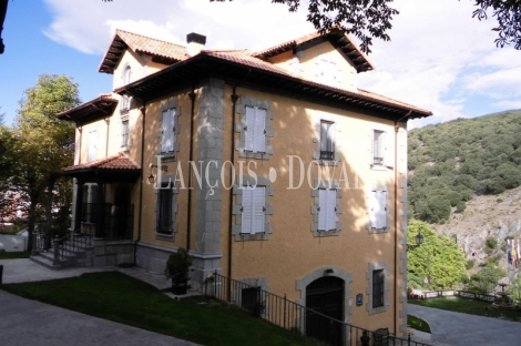 La Rioja. Hotel con encanto en venta. Antiguo palacio. Ortigosa de Cameros Logroño.